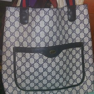 Sellling an AUTHENTIC Vintage Gucci GG Blue Tote
